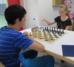 Hannah spielt gegen Markus Lang vom SC Steinlach