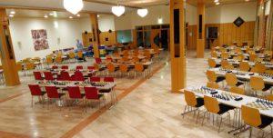 Ein Blick in den vorbereiteten Turniersaal